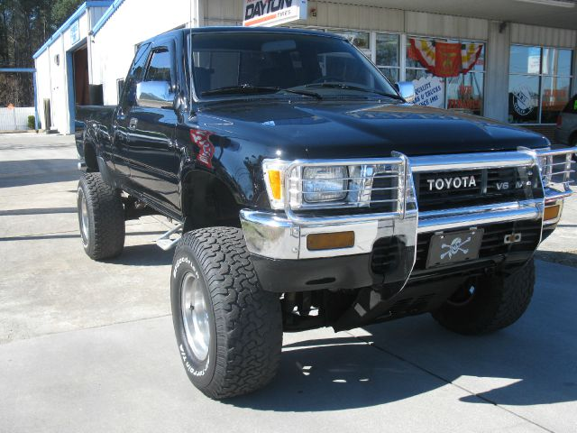 L Used Toyota Pickup Wilmington D304 L25494 together with Volkswagen Amarok V6 Diesel Aventura 4x4 2017 Review likewise Technical together with Chevrolet Traverse Accessories likewise Bagged Toyota Pickup. on toyota pickup trucks