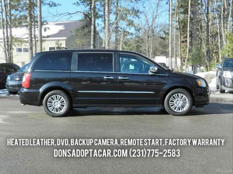 2015 Chrysler Town and Country for sale in Cadillac, MI
