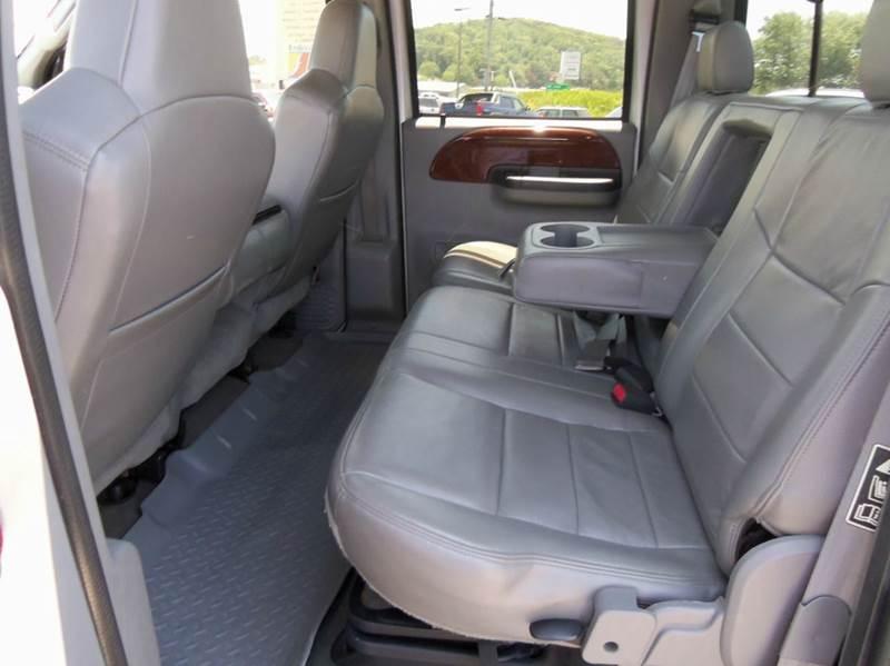 2004 Ford F-250 Super Duty 4dr Crew Cab Lariat 4WD SB - Staunton VA