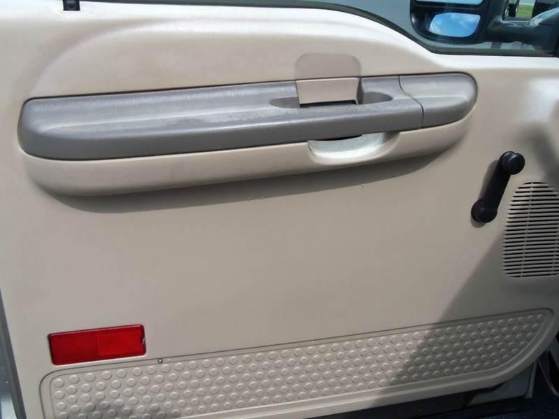 2004 Ford F-250 Super Duty 2dr Standard Cab XL 4WD LB - Staunton VA
