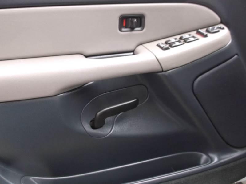 2002 Chevrolet Suburban 1500 LT 4WD 4dr SUV - Kirkland WA