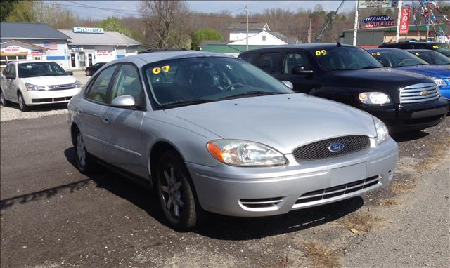 2007 Ford Taurus for sale in HELENWOOD TN