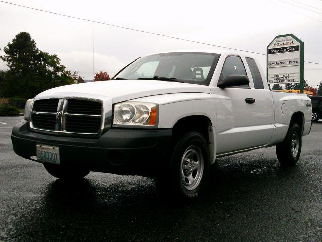 2006 dodge dakota st 4wd 4dr club cab sb in camaswashougal wa triple c auto brokers. Black Bedroom Furniture Sets. Home Design Ideas