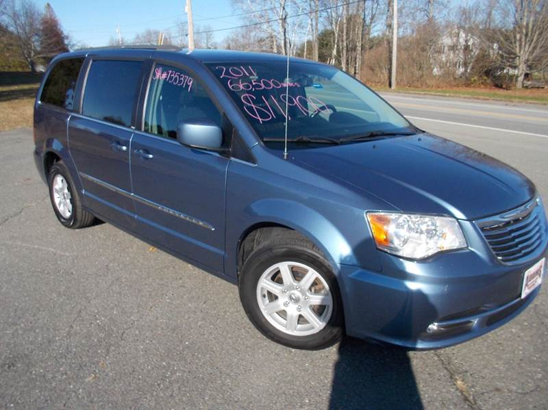 2011 chrysler town and country touring 4dr mini van in hermon me adams automotive. Black Bedroom Furniture Sets. Home Design Ideas