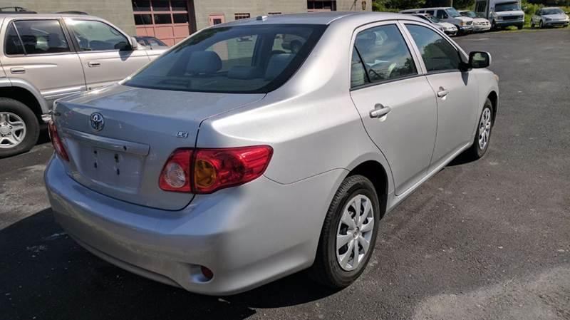 2010 Toyota Corolla LE 4dr Sedan 4A - Pen Argyl PA