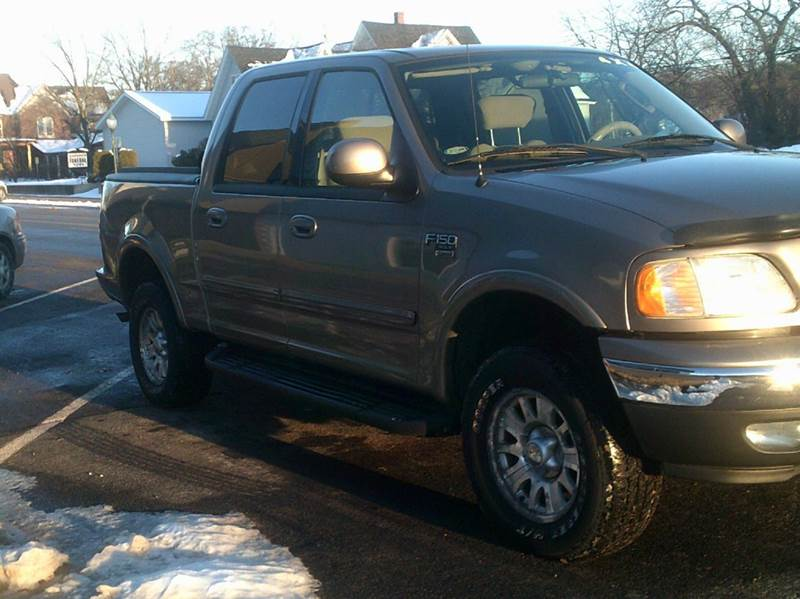 2003 Ford F-150 4dr SuperCrew XLT 4WD Styleside SB - Durand WI