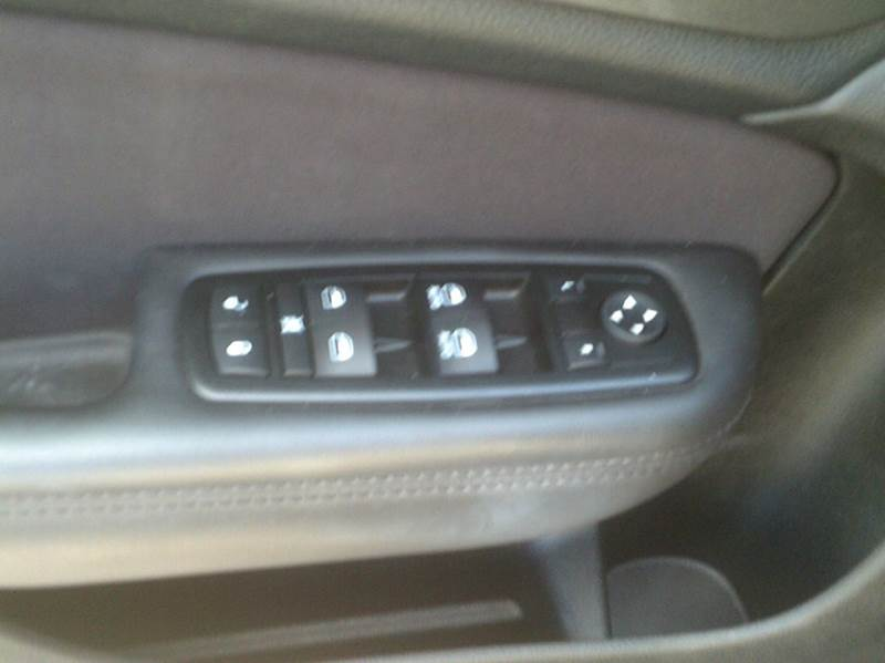 2015 Chrysler 200 Limited 4dr Sedan - Durand WI