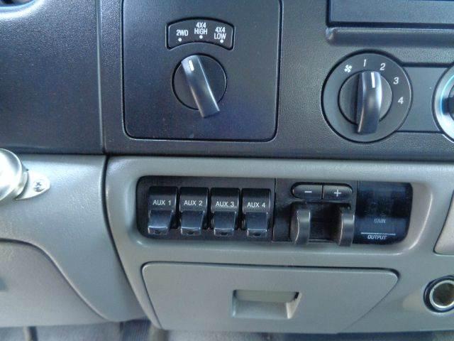 2006 Ford F-350 Super Duty XLT 4dr Crew Cab 4WD LB - La Habra CA