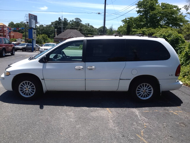 2000 chrysler town and country lxi 4dr passenger van. Black Bedroom Furniture Sets. Home Design Ideas