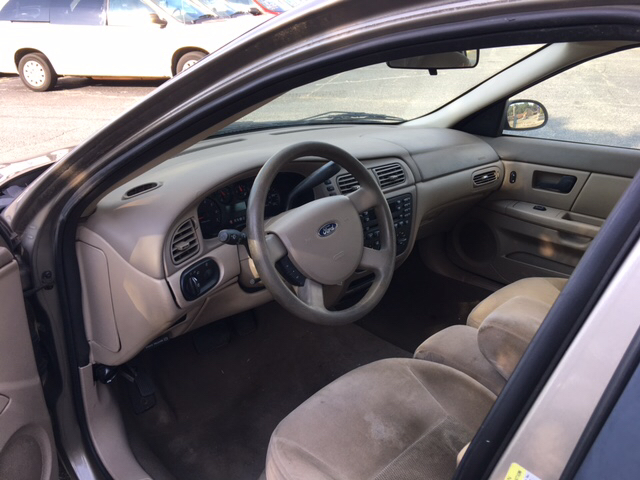 2005 Ford Taurus SE 4dr Sedan - Greenville SC