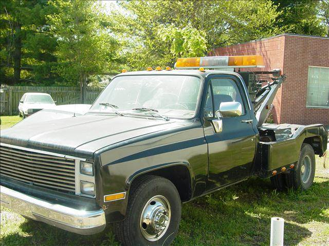 Used 1985 Chevrolet Tow Truck C30 For Sale