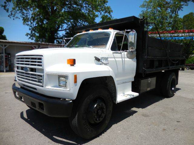 1992 Ford F-700