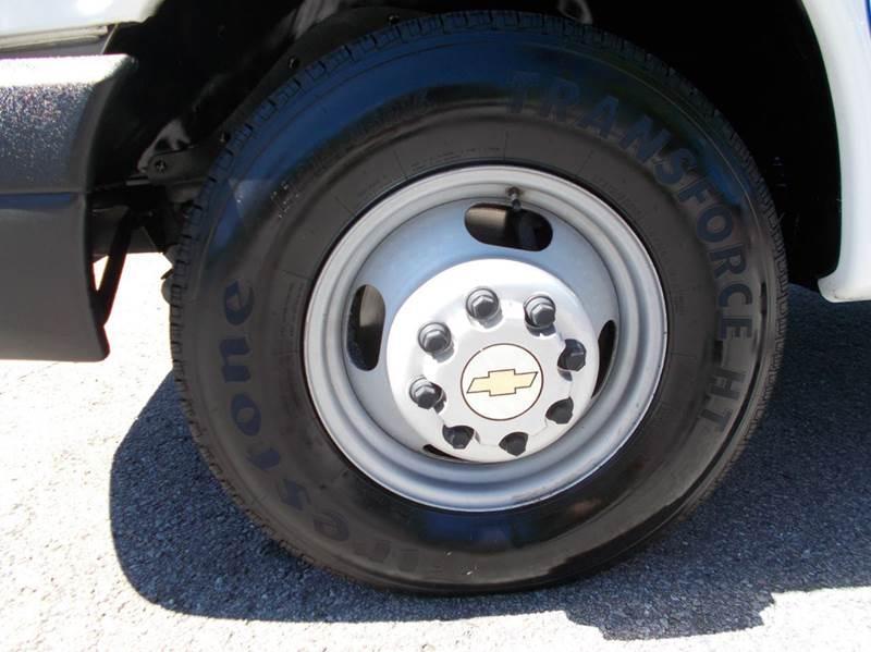 2012 Chevrolet Express Cutaway 3500 2dr 139 in. WB Cutaway Chassis w/ 1WT - Cullman AL
