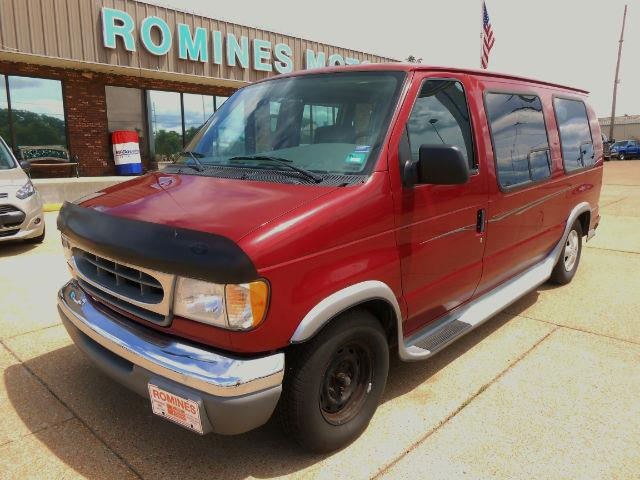 2000 Ford Econoline Passenger Van