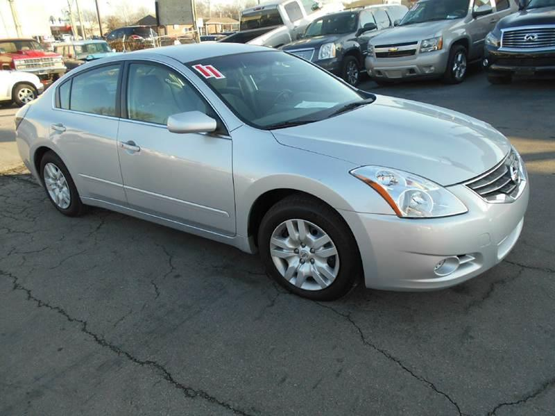 2011 nissan altima 2 5 s 4dr sedan in olathe ks fast n. Black Bedroom Furniture Sets. Home Design Ideas