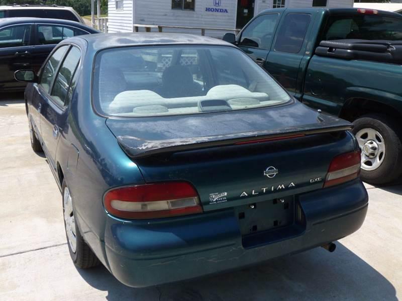 1995 Nissan Altima GXE 4dr Sedan - Shelby NC