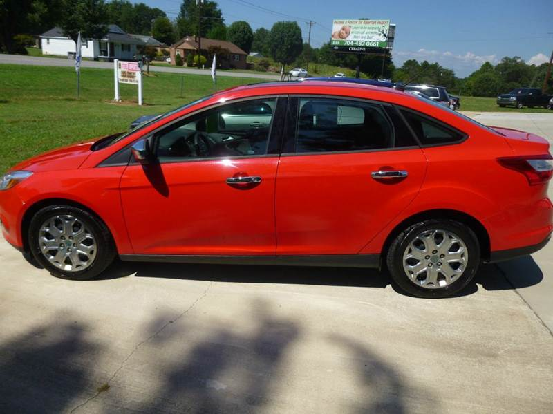 2012 Ford Focus SE 4dr Sedan - Shelby NC