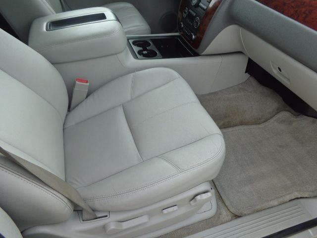 2009 Chevrolet Suburban LT 1500 4x2 4dr SUV w/ 2LT - Mabank TX