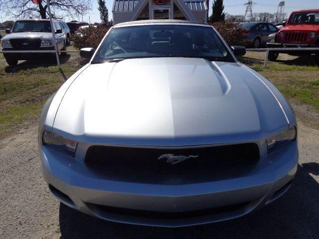 2011 Ford Mustang V6 2dr Convertible - Mabank TX