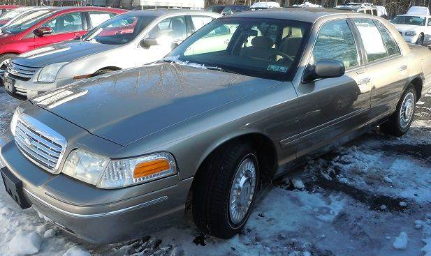 2001 Ford Crown Victoria 4dr Sedan - Pine Grove PA