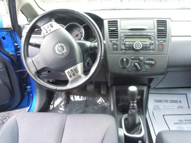 2008 Nissan Versa 1.8 SL 4dr Hatchback 6M - Pine Grove PA