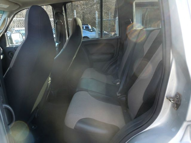 2004 Jeep Liberty Columbia Edition 4WD 4dr SUV - Pine Grove PA