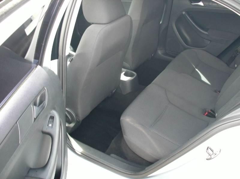 2012 Volkswagen Jetta 4dr Sedan 6A - Fontana CA
