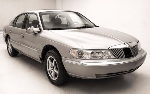 2002 Lincoln Continental for sale in Warren, MI