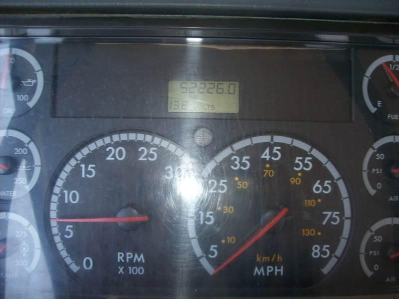 2004 Freightliner FL 70  - Spokane Valley WA