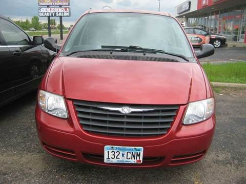 2006 Chrysler Town and Country for sale in Spring Lake Park, MN