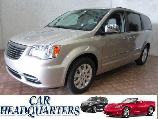 2012 Chrysler Town & Country Touring - New Windsor NY