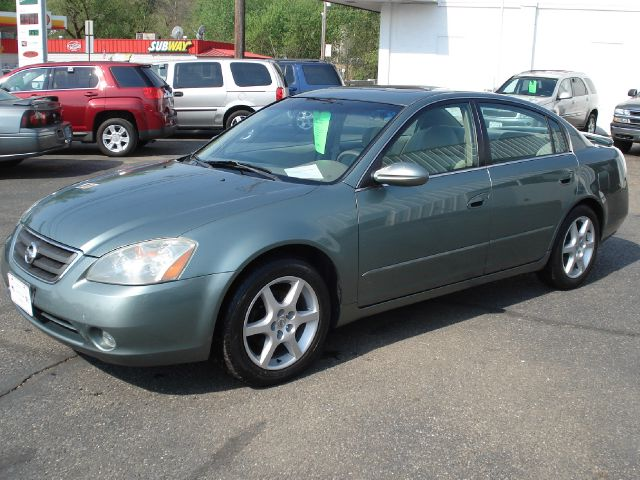 2002 nissan altima 3 5 se 4dr sedan in loudonville ashland. Black Bedroom Furniture Sets. Home Design Ideas