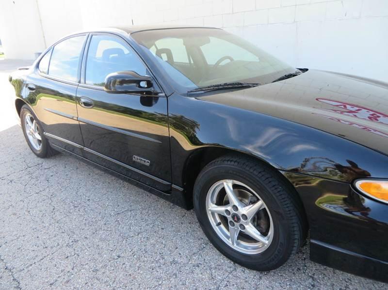 2001 pontiac grand prix gtp 4dr supercharged sedan in racine wi vip auto sales. Black Bedroom Furniture Sets. Home Design Ideas