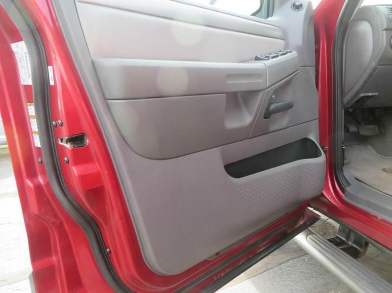 2004 Ford Explorer 4dr XLT 4WD SUV - Racine WI