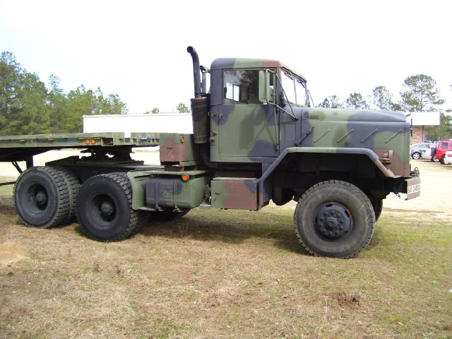 1985 AM General M931 5 Ton 6x6 Tractor