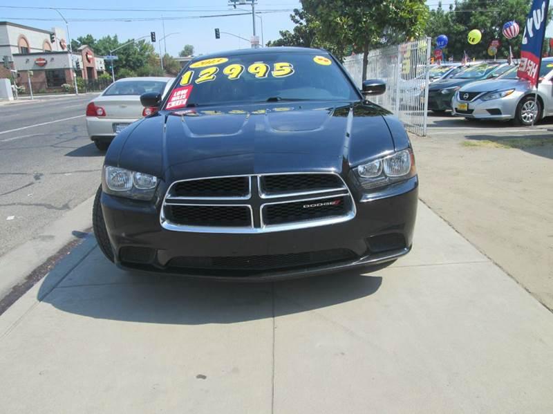 2013 Dodge Charger SE 4dr Sedan - Fresno CA