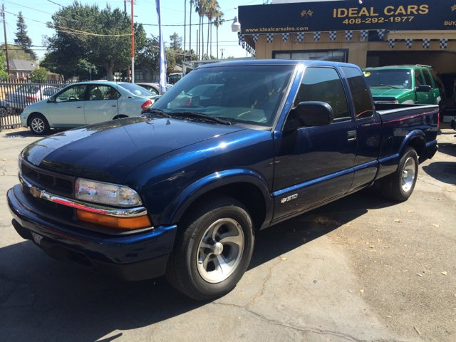 2003 CHEVROLET S-10 LS 3DR EXTENDED CAB RWD SB blue abs - 4-wheel alloy wheels axle ratio - 410
