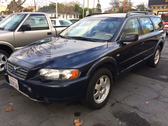 2001 VOLVO V70 XC AWD 4DR WAGON blue all available records show the odometer reading on this vehic
