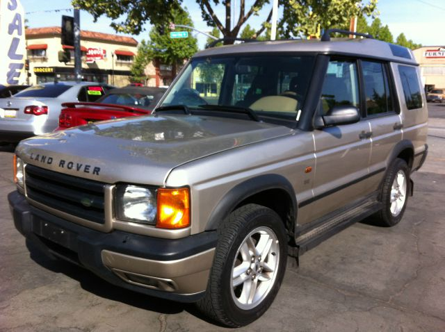 2002 LAND ROVER DISCOVERY II SERIES II SE gold the odometer reflects accurate mileage the interio
