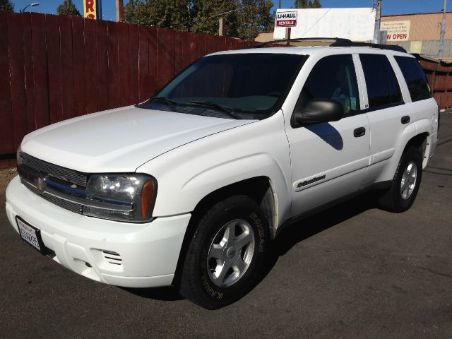 2002 CHEVROLET TRAILBLAZER LT 4WD white 4wdawdabs brakesair conditioningalloy wheelsamfm rad