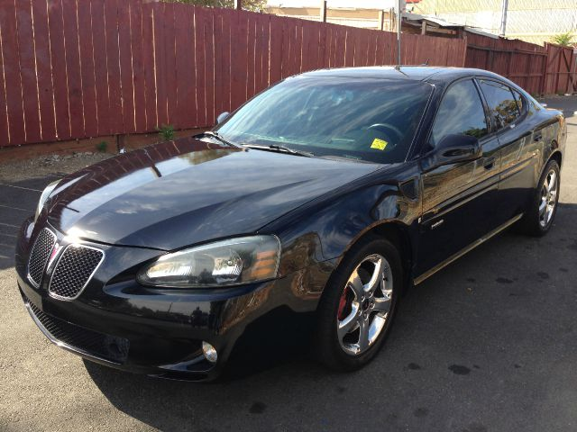 2006 PONTIAC GRAND PRIX GXP blk abs brakesair conditioningalloy wheelsamfm radioanti-brake sy