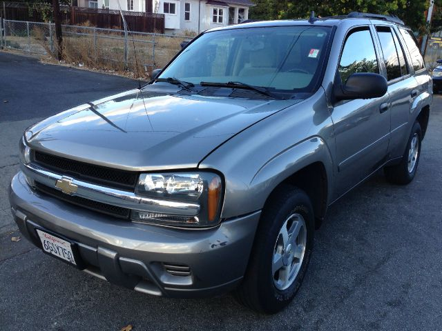 2006 CHEVROLET TRAILBLAZER LS 4WD gold 4wdawdabs brakesair conditioningalloy wheelsamfm radi