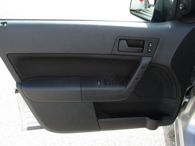 2010 Ford Focus SE 4dr Sedan - La Vista NE