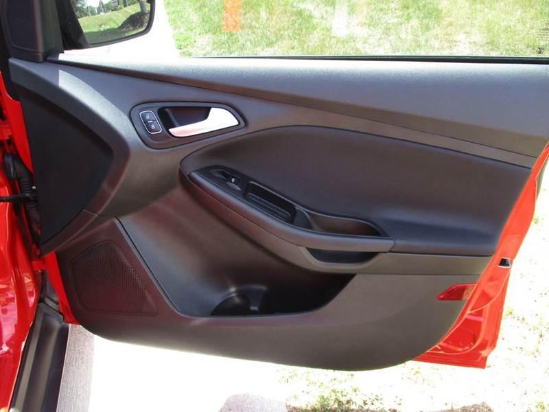 2015 Ford Focus SE 4dr Hatchback - La Vista NE