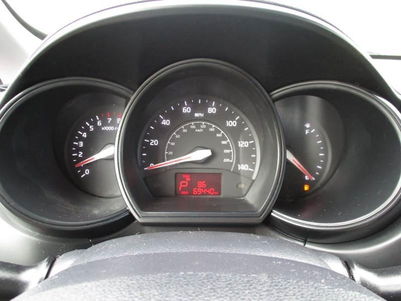 2013 Kia Rio LX 4dr Sedan 6A - La Vista NE