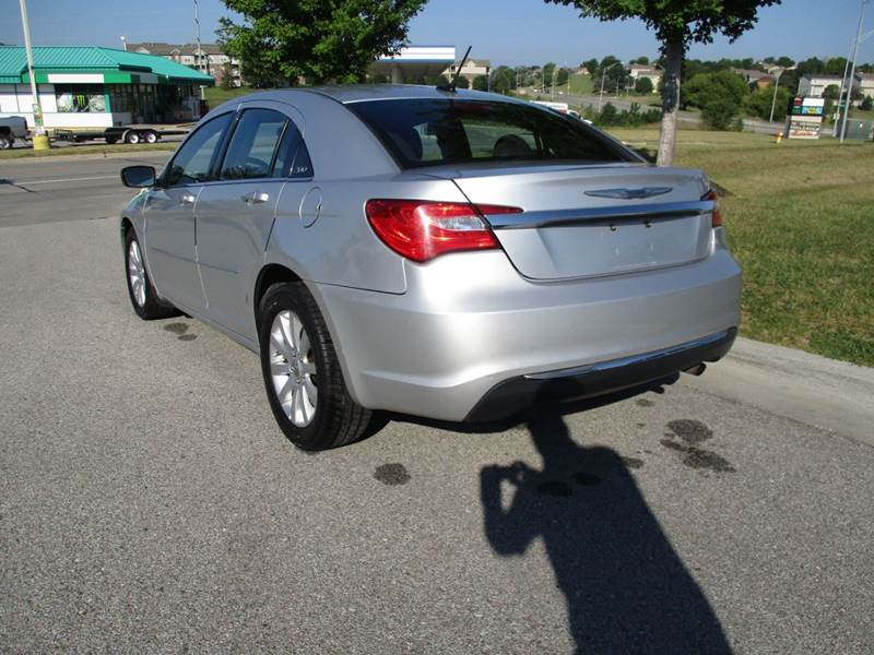 2012 Chrysler 200 Touring 4dr Sedan - La Vista NE
