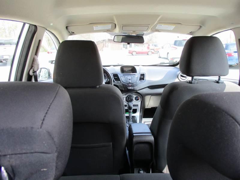 2015 Ford Fiesta SE 4dr Hatchback - Rossville GA
