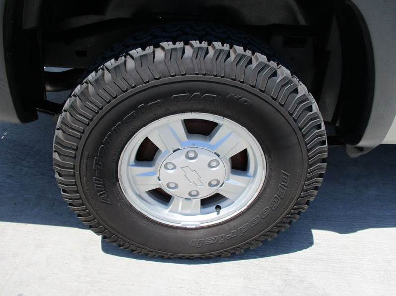 2004 Chevrolet Colorado 2dr Standard Cab Z71 LS 4WD SB - Rossville GA