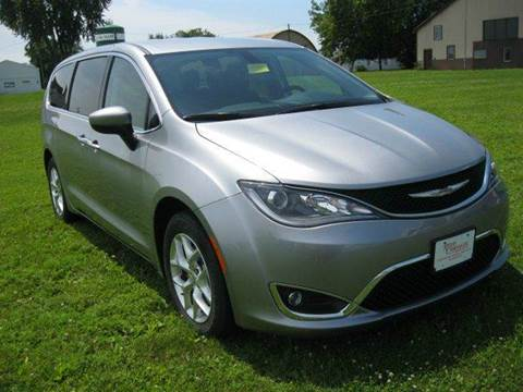 2017 Chrysler Pacifica for sale in Beaver Dam, WI