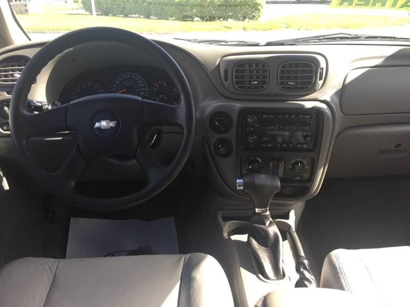 2006 Chevrolet TrailBlazer LS 4dr SUV 4WD w/1SB - Hyannis MA
